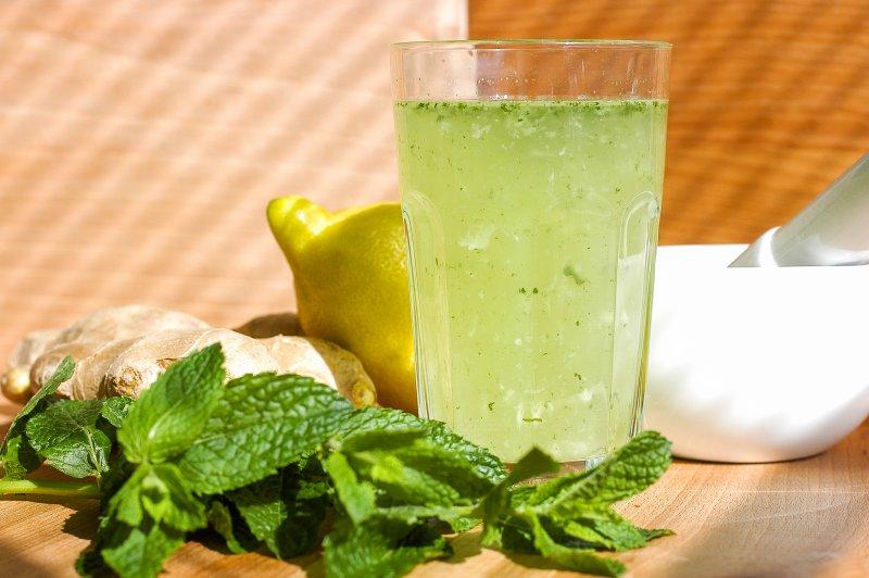 Mátově-zázvorová limonáda
