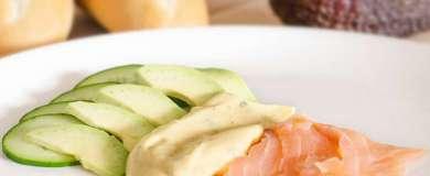 Údený losos s avokádom a uhorkou