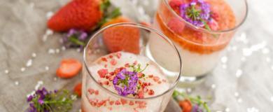 Tapiokový puding s jahodovým pyré