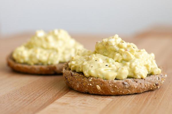 Vajíčkovo-avokádový salát