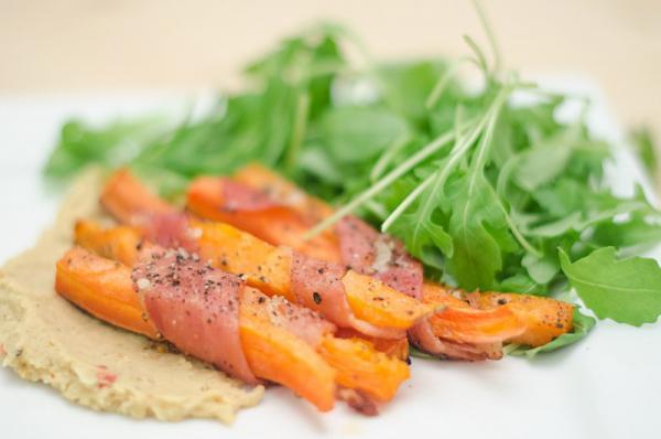 Zeleninové tyčinky s cícerovou pastou