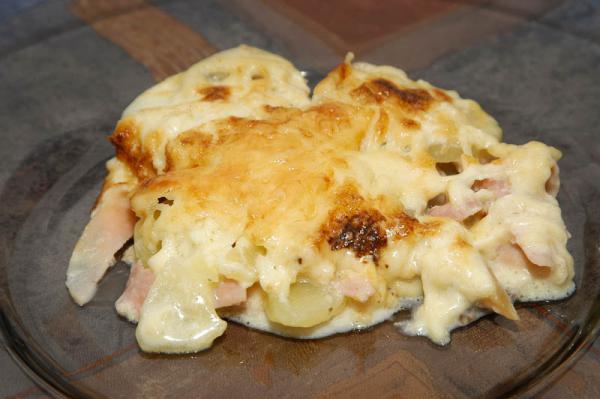 Zapečené zemiaky so šunkou