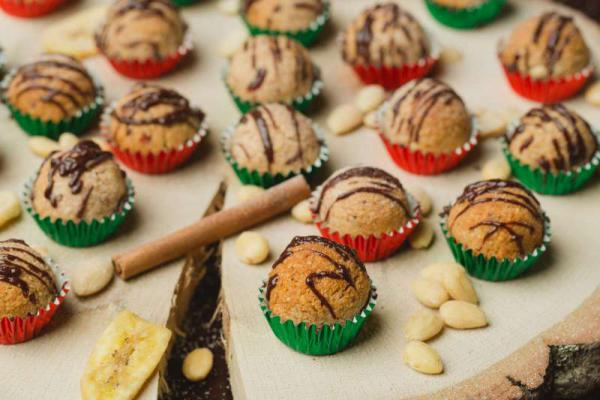 Vianočné kokosové guličky