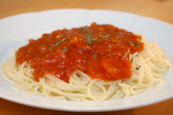 Rýchle paradajkové špagety