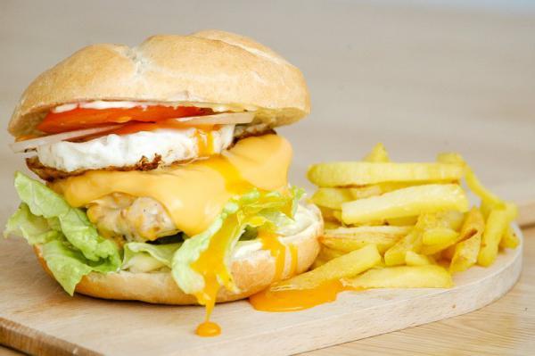Kurací burger