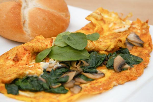 Špenátová omeleta s houbami