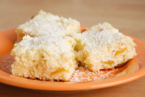 Kokosovo broskyňový koláč
